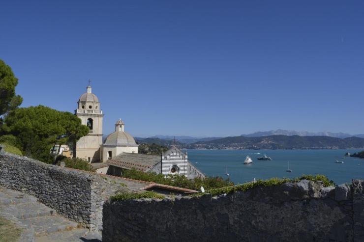 Vista de la Iglesia de San Lorenzo desde el Castello Doria